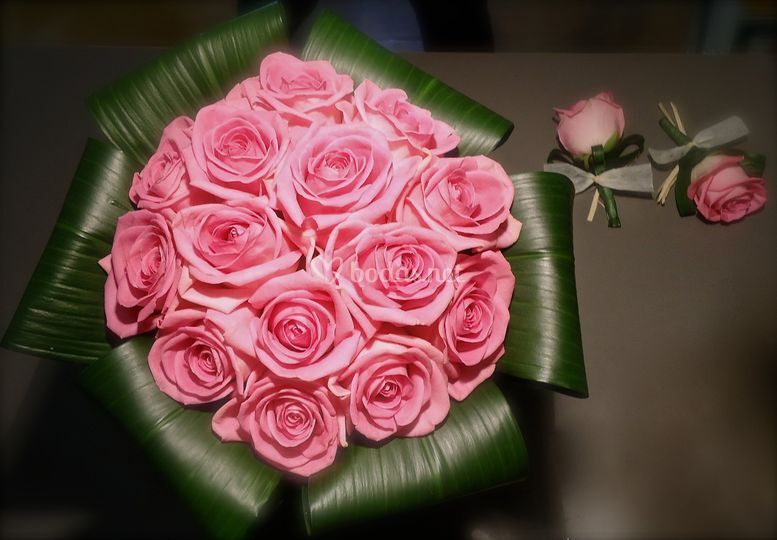 Ramo de rosas aqua