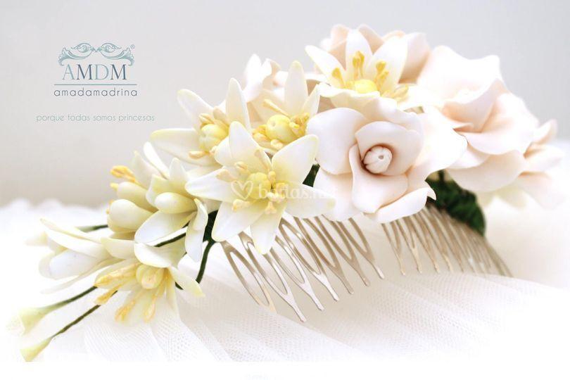 Tocado con flores de azahar