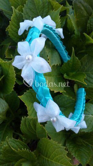 Diadema flores organza
