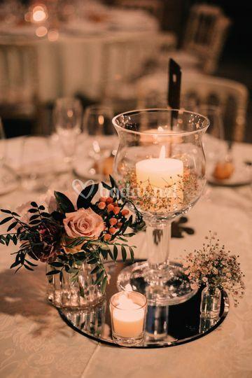 Centro con vela y flores