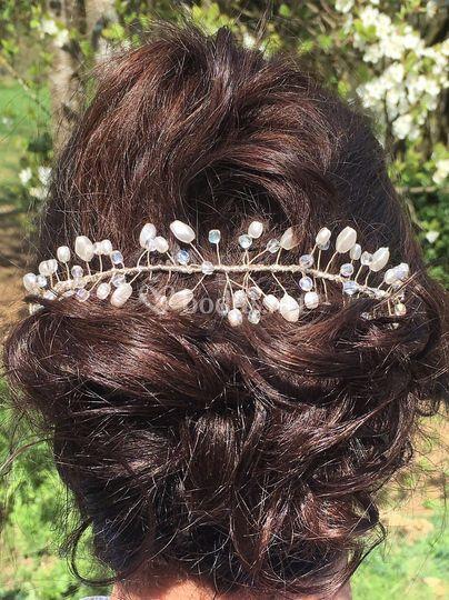 Perlas, cristales, hilo de plata
