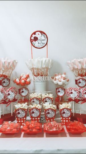 Candy bar flowerred