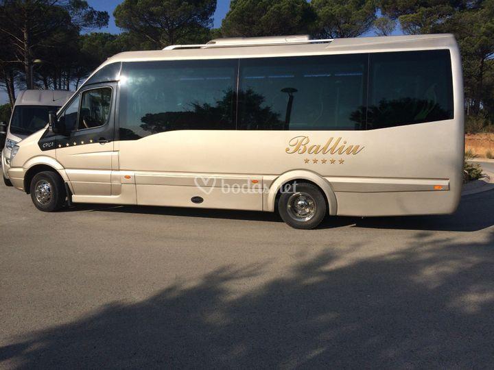 Minibús de 19 personas