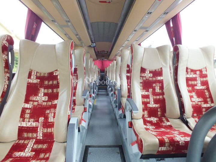 Autocar de 42 personas