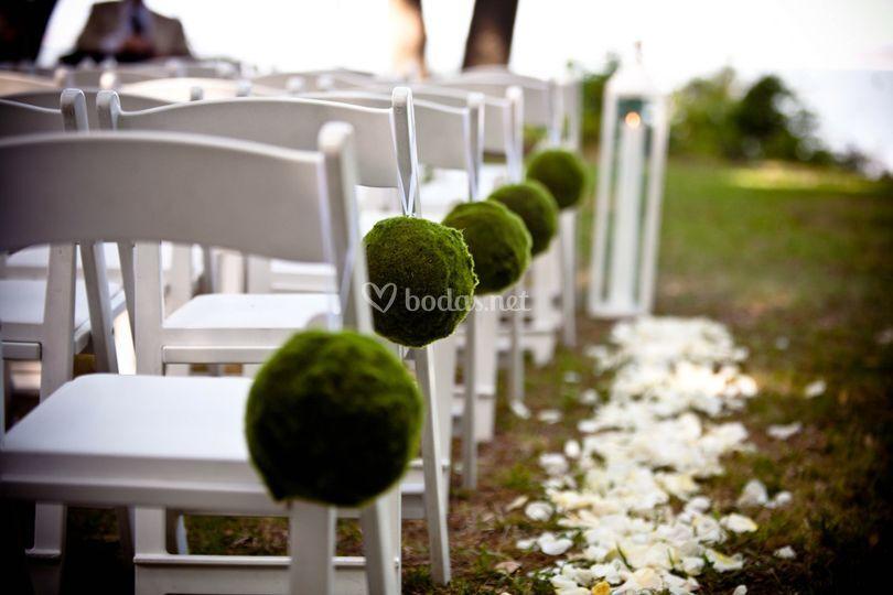 Decoración sillas invitados