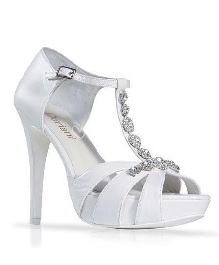 Zapato de novia tira de strass
