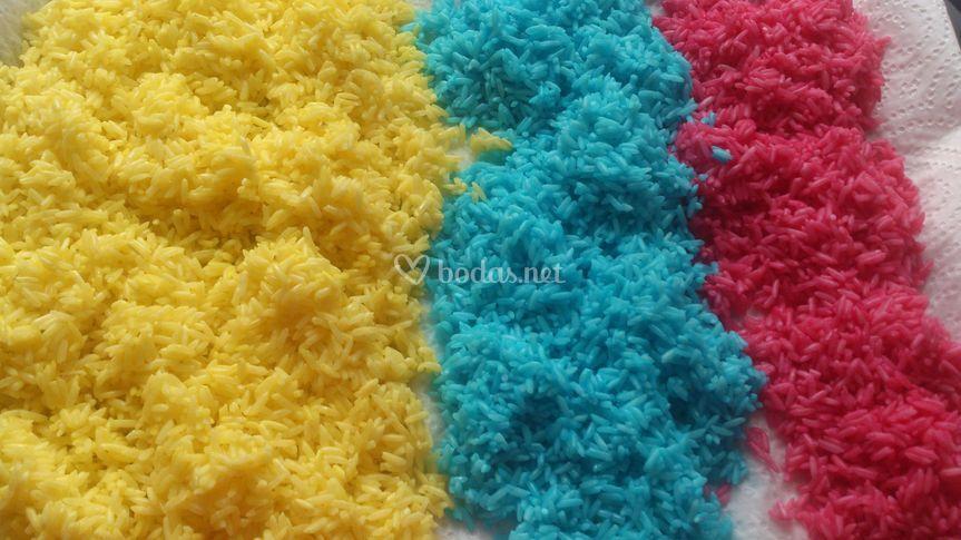Fucsia, azul y amarillo