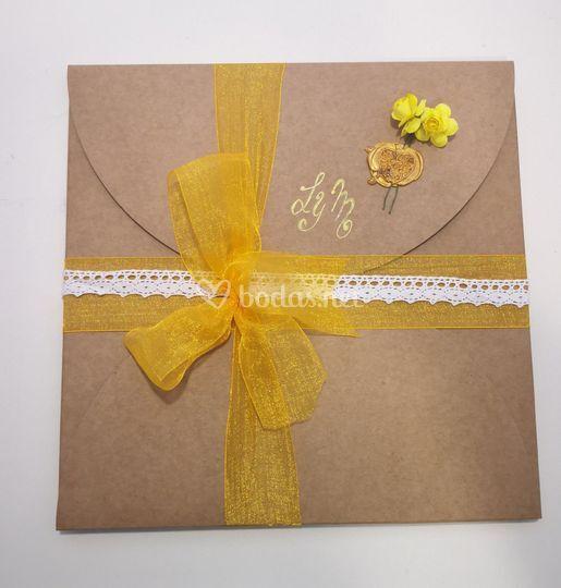 Caja para pañuelos de madrinas