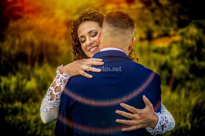 Abrazo novia novio