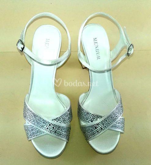 Sandalia blanca brillantes