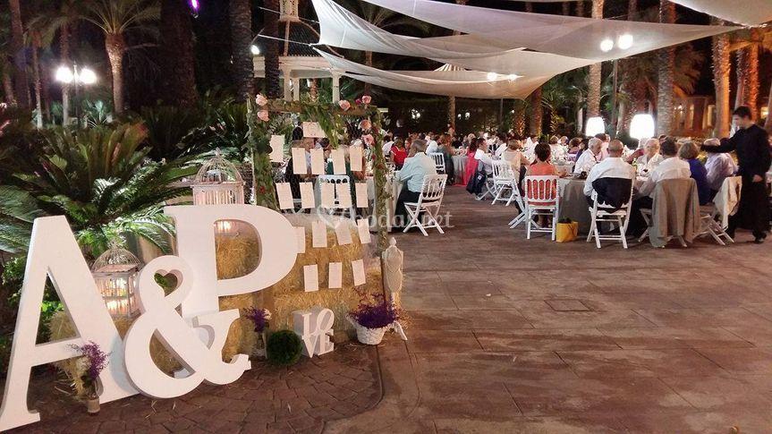 Seatinbg plan boda fardos paja