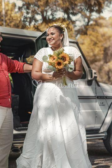 Papa abriendo el coche de la novia