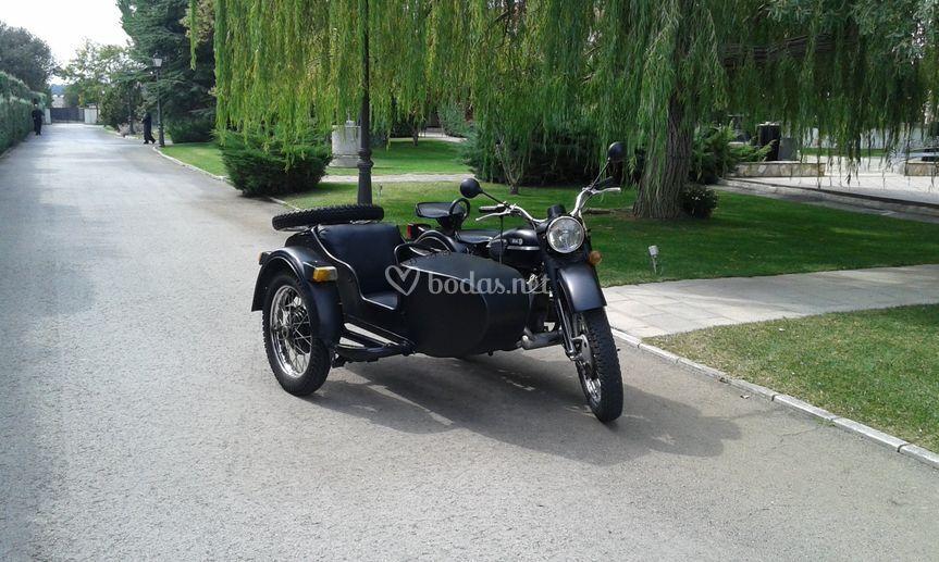 Moto con sidecar para eventos