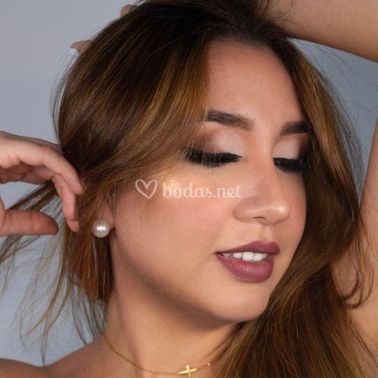 Maquillaje con delineado
