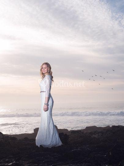 La novia en la playa