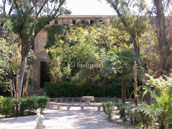 Monasterio de sant jeroni de cotalba for Jardines romanticos