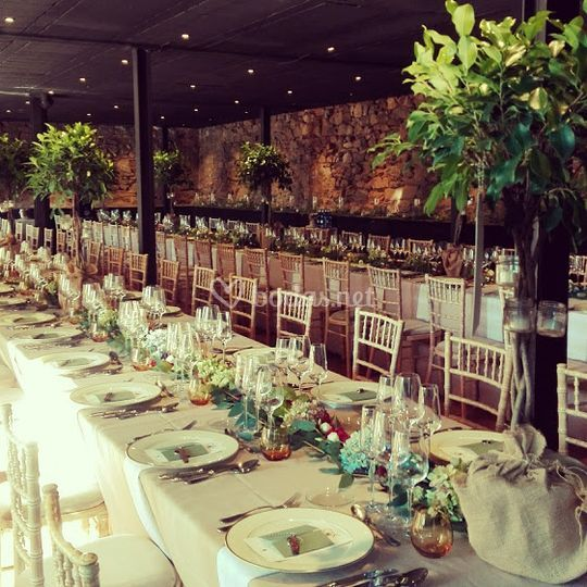 Banquete con mesas imperiales