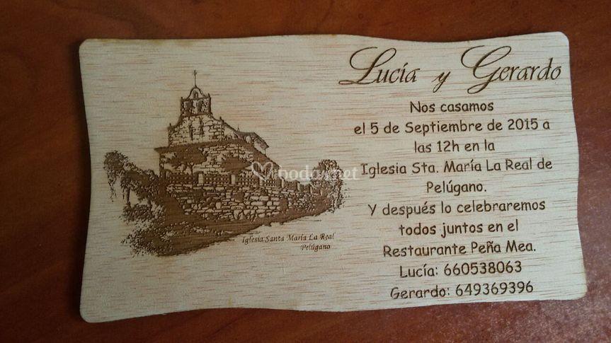 Invitación madera, vaso sidra.