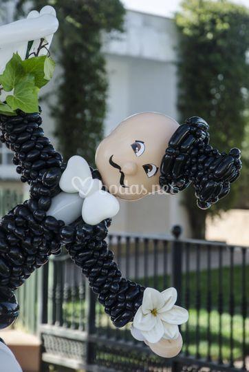 Novio con globos