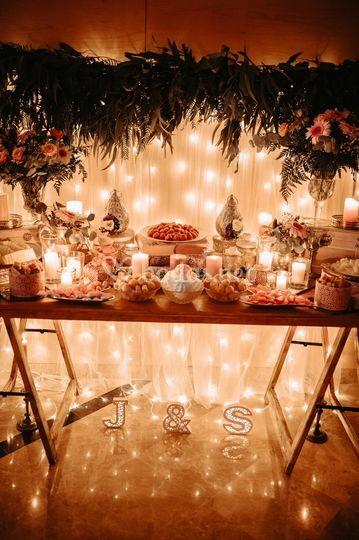 Mesa dulce con iluminación