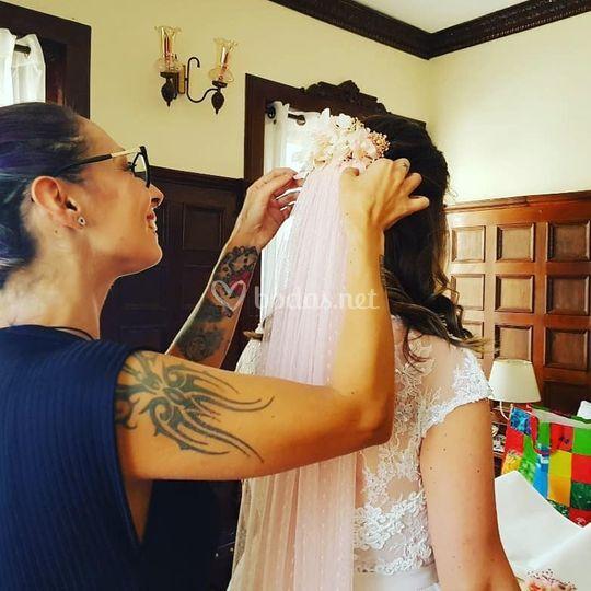 Poniendo el velo a la novia