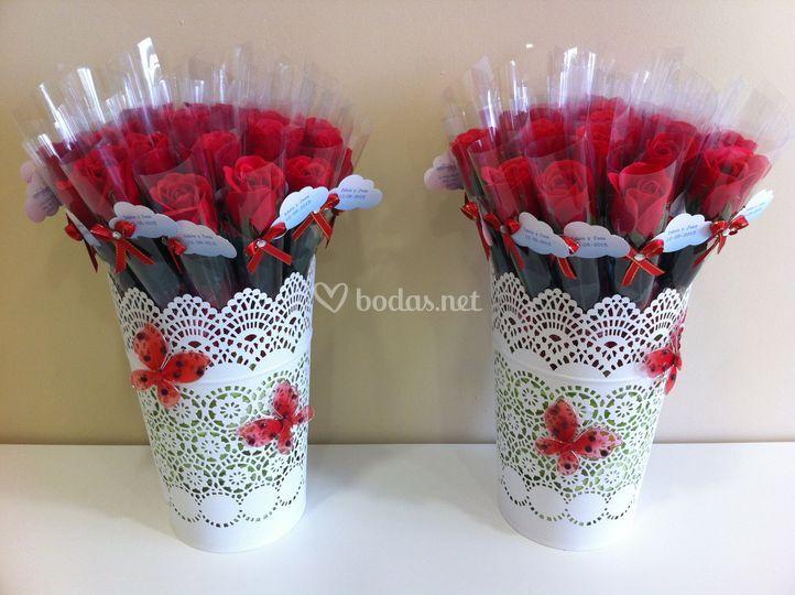 Rosas con pétalos de jabón