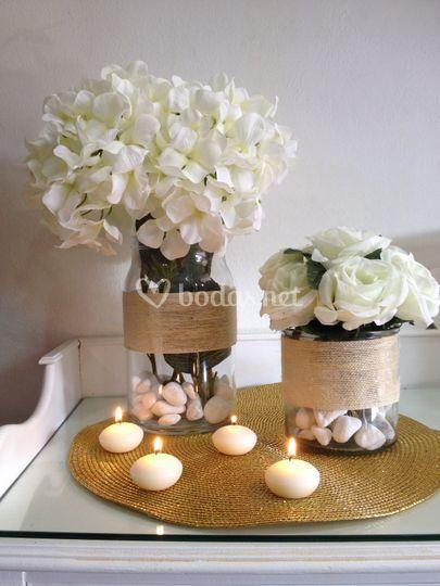 Centro de flores blancas