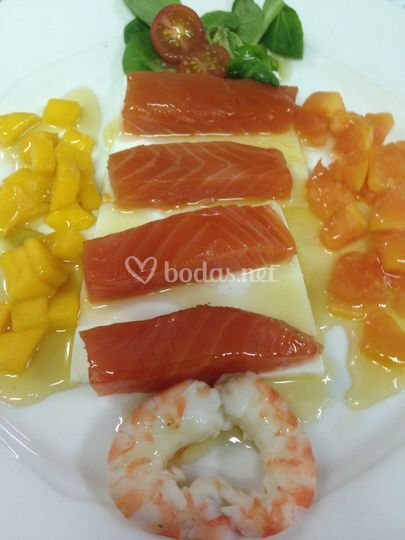 Catering do a pilar - Ensalada con salmon fresco ...