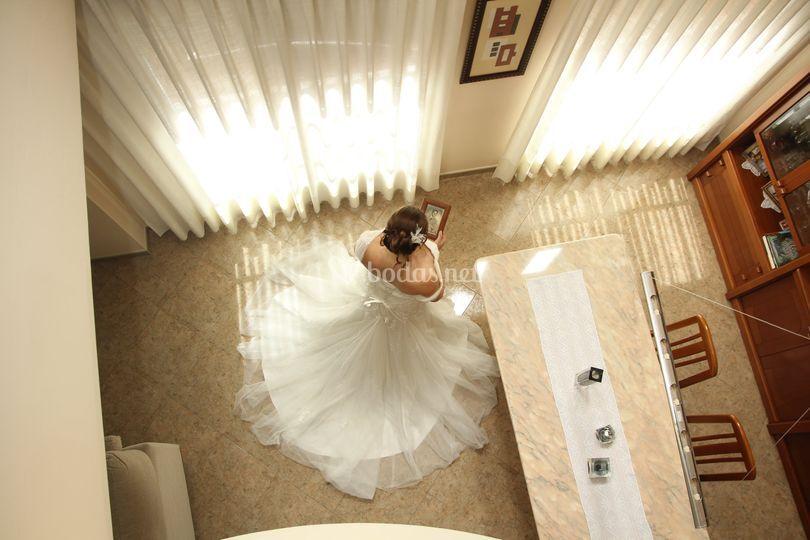 Plano aéreo del vestido de la novia