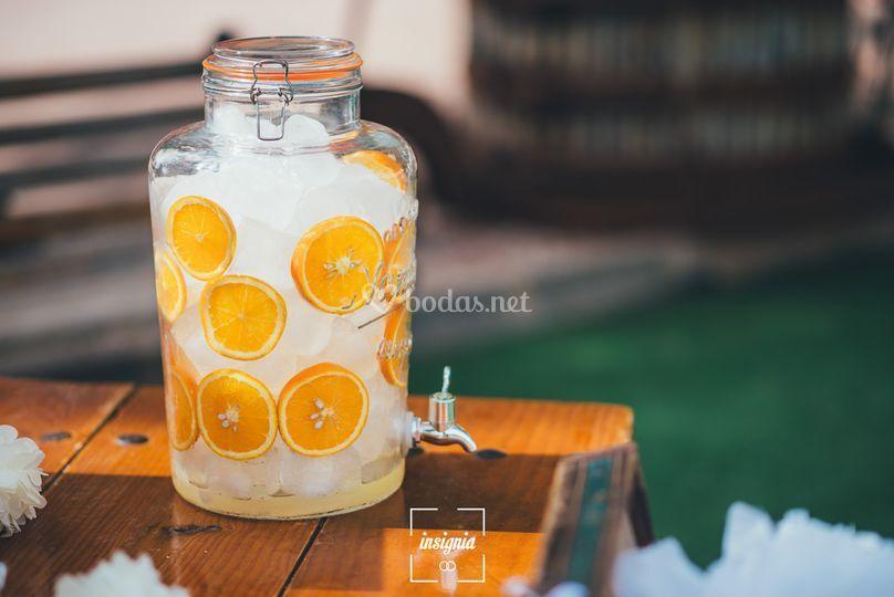 Refrescante agua con sabores