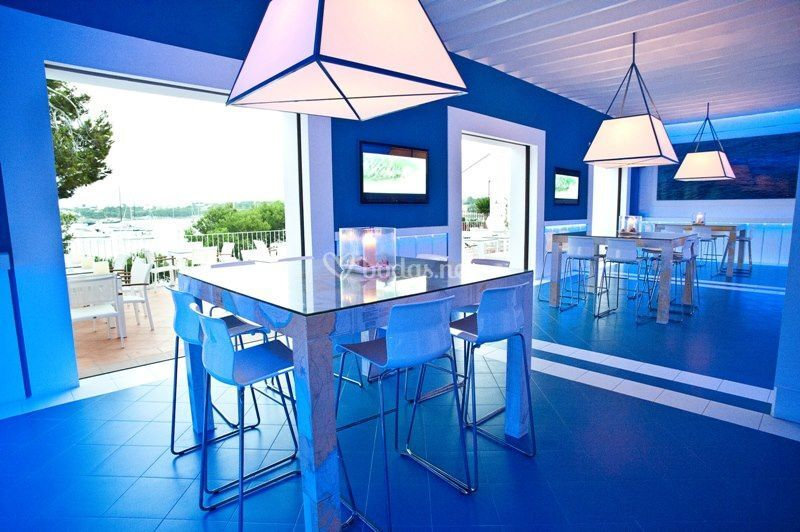 Blue Cocktail Bar