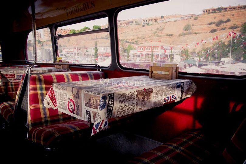 Mesas del autobús
