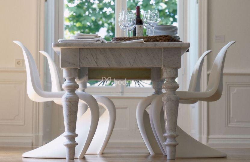 Alquiler de sillas blancas