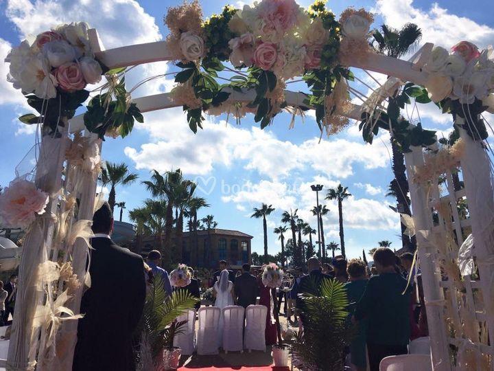 Arco de boda flores
