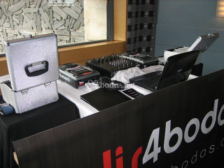 DJs 4 Bodas - Seriedad y cercanía