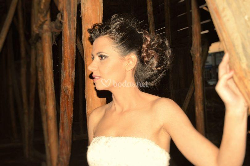 Recogido y maquillaje novia