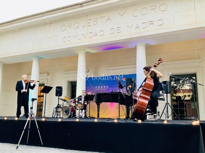 Grupo de jazz para cóctel