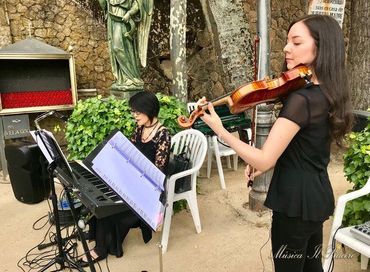 Violín y piano en directo