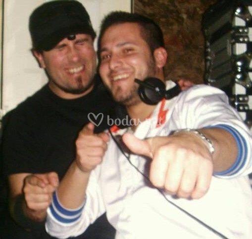 Danny Diaz y Vene Percusión