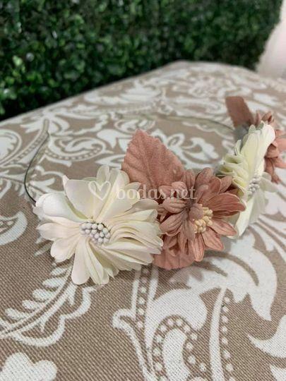Diadema flores artificiales