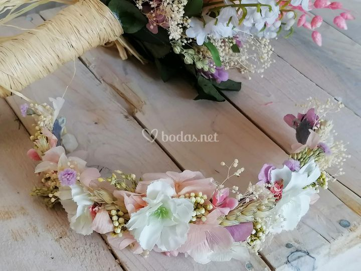 Tocado de novia estilo silvestre