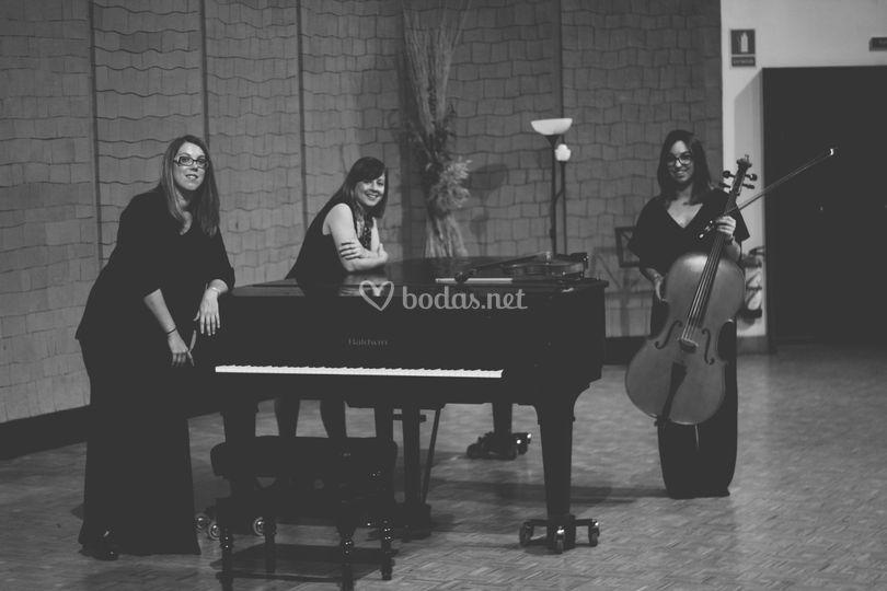 Violín, violoncello y piano
