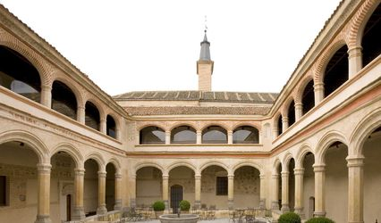 Claustro de San Antonio El Real 1