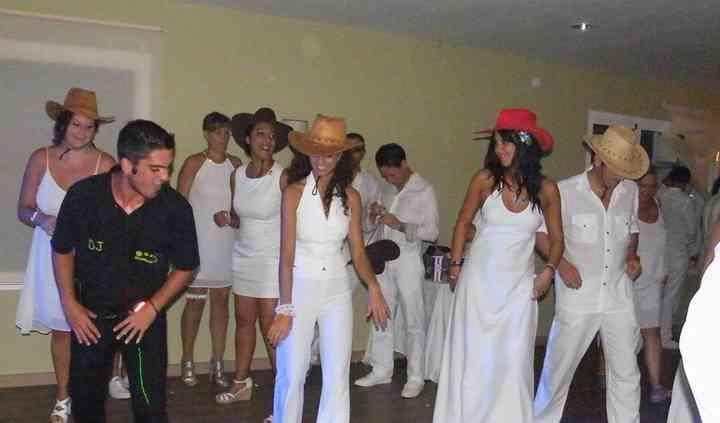 Bailando en boda ibicenca