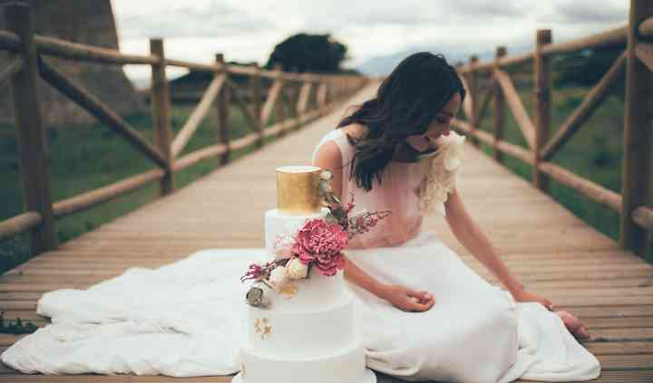 Gold & peonie wedding cake