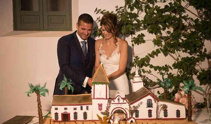 Laurie y víctor wedding cake