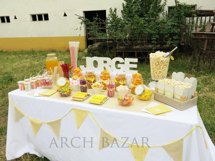 Rustic Candy Bar Arch Bazar