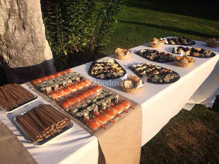 Mesas de sushi y de quesos