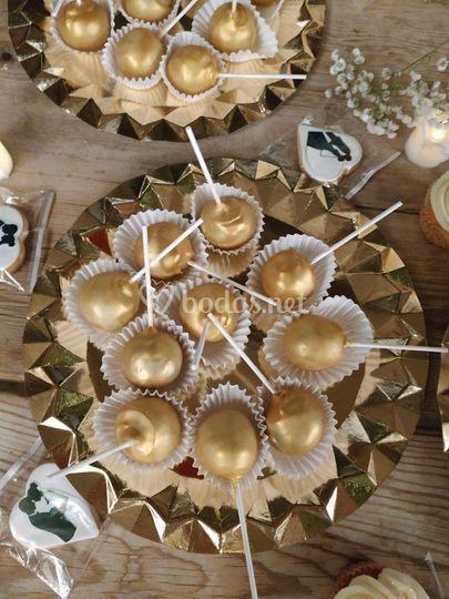 Cakepods dorados