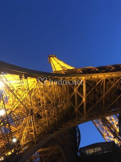 Safe Tour - Torre Eifel- París